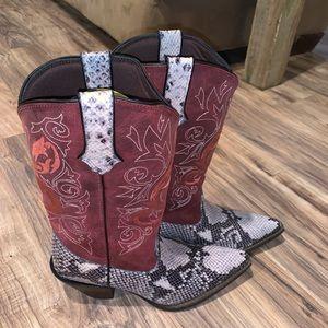 Crush Durango Music Inspired Boots Size 8.5